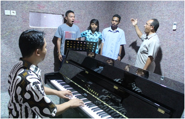 Ruang Piano 1
